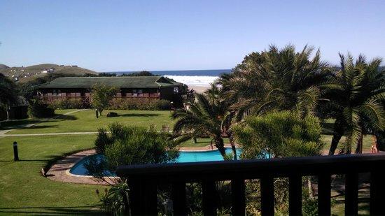 Mbotyi River Lodge : Pool & playground area