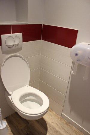 Motel Les Bleuets : Toilettes