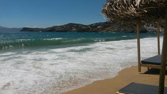 Dionysos Seaside Resort : servizio anche all'ombrellone