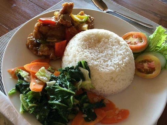 Cocotinos Manado : お昼ご飯