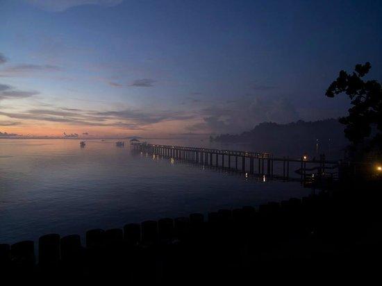 Cocotinos Manado : 桟橋