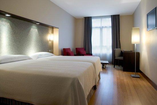 H10 Puerta de Alcala: Standard Room