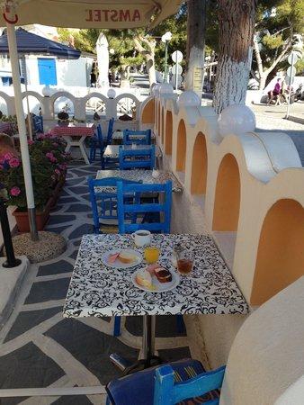 Kamari Star Hotel : colazione