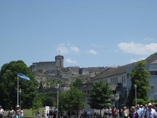 Sanctuaire Notre Dame de Lourdes : le château