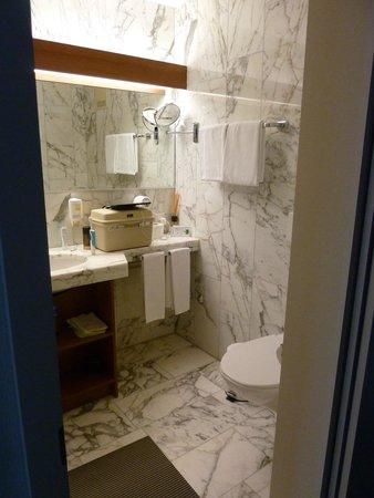Hotel Steinmattli: de marmeren badkamer