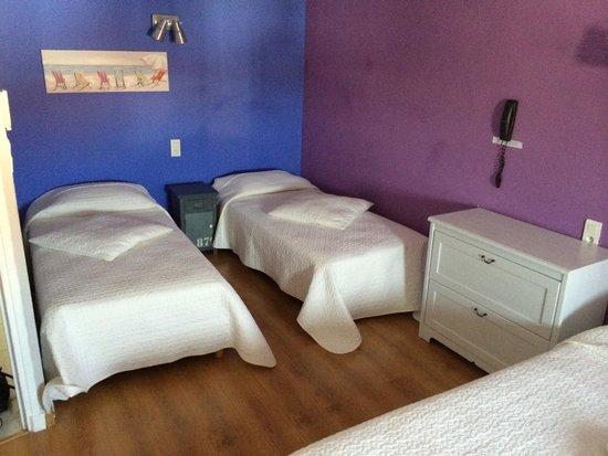 Hotel L'Abrivado: Suit con 1 letto matrimoniale e due singoli