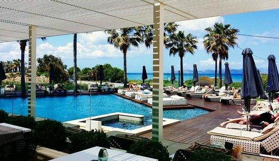 Aqua Blu Boutique Hotel + Spa: Pool Area