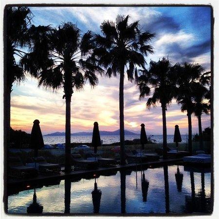 Aqua Blu Boutique Hotel + Spa: Sunset