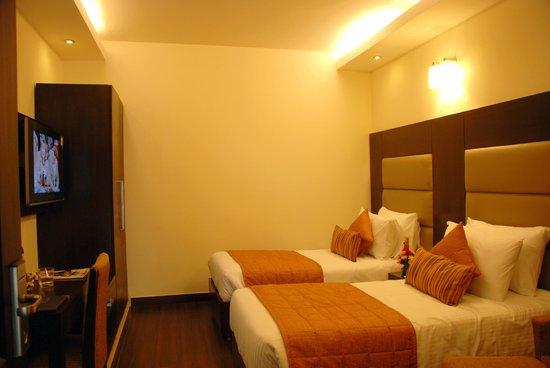 JHT Hotel: DLX ROOM