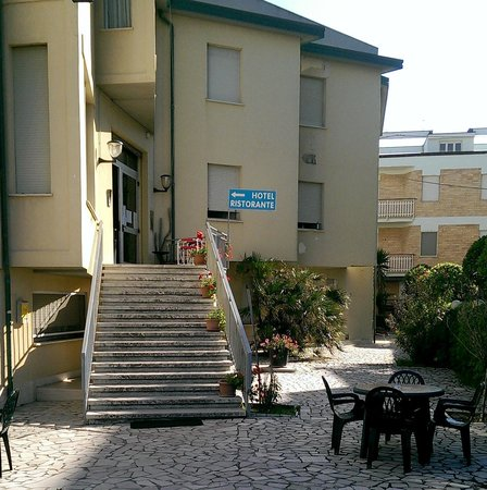 Hotel Ristorante Giannino: Ingresso Hotel