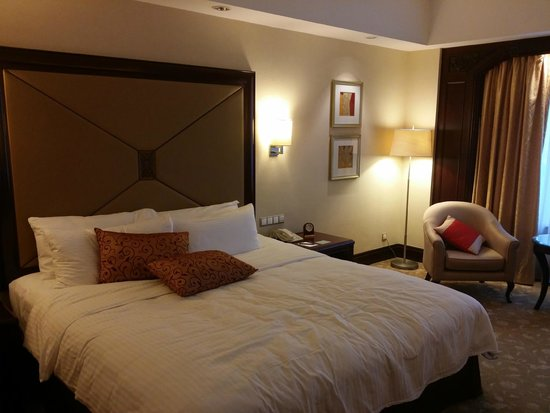 Shangri-La Hotel Jakarta: bedroom