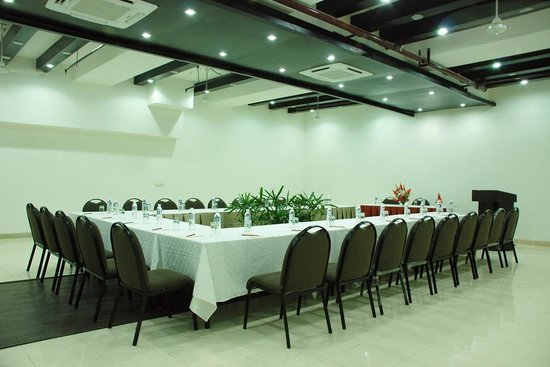 JHT Hotel: CONFERENCE HALL