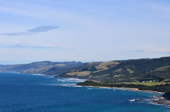 View along Great Ocean Road