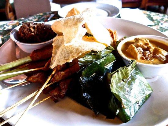 Blue Bali: Indonesian platter