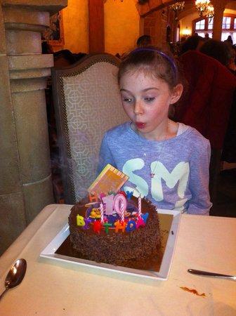 Auberge De Cendrillon: Birthday cake was amazing!!