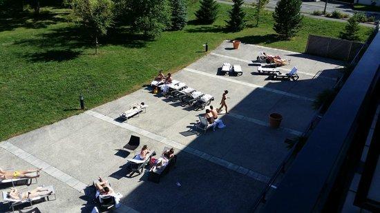 Hôtel & Residence La Villa du Lac: Terrasse de la piscine