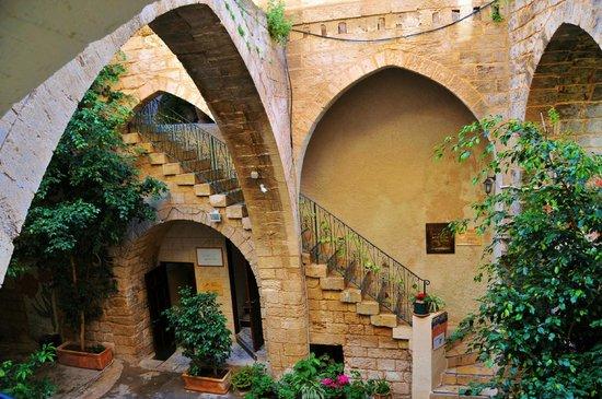 Fauzi Azar Inn by Abraham Hostels: stunning architecture