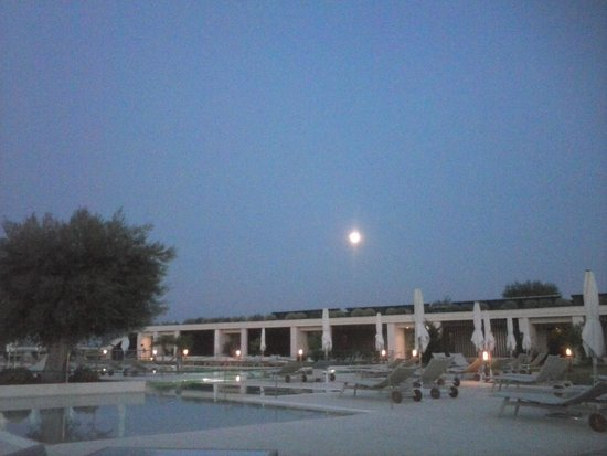 Allegroitalia Siracusa Golf Monasteri: Piscina by night