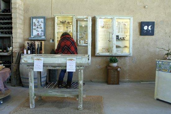 Hadasaar Natural Living Restaurant: local arts and crafts