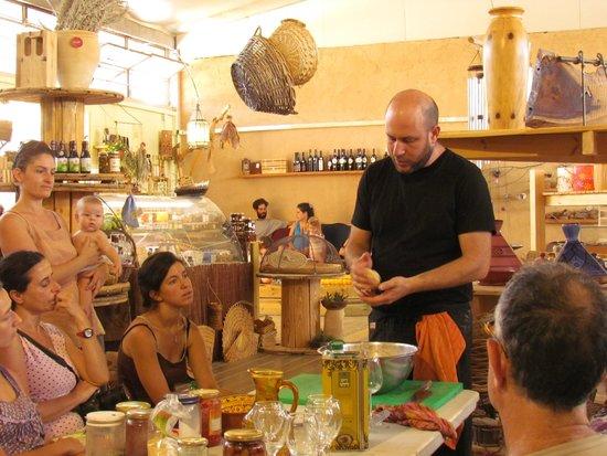 Hadasaar Natural Living Restaurant: events, workshops and concerts
