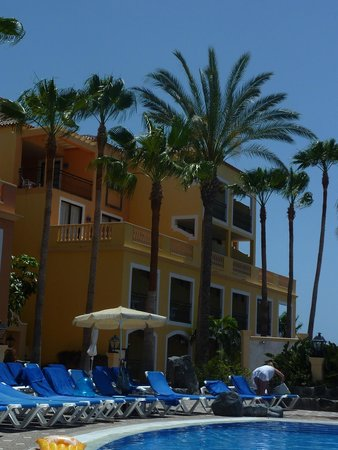 Bahia Principe Tenerife: Santa Cruz Block (location of our room)