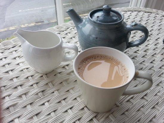 Wild Garlic Restaurant & Rooms: A proper tea pot :) simple things!!