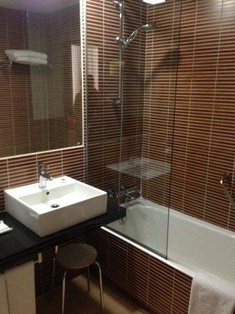 Melia Avenida America: bathroom