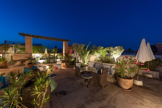 Riad Camilia: Nuit bleue sur notre terrasse