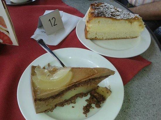 Hotel Berghof: lekkere taart van de conditorei op het plein