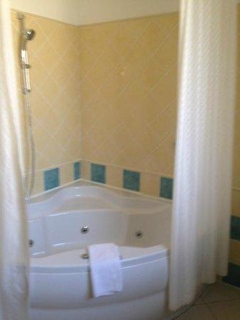 Mamaison Hotel Andrassy Budapest: sdb