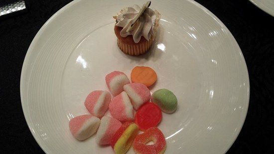 Spiral: Candies and Cupcake