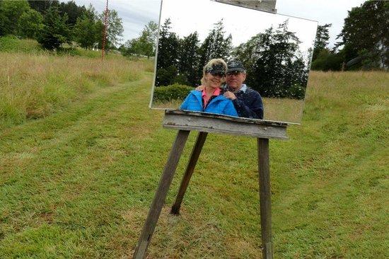 Wescott Bay Sculpture Park & Nature Reserve: Self portrait easel