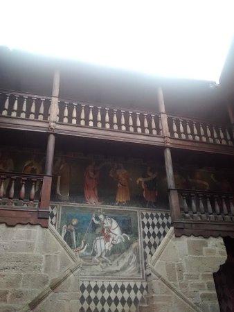 Castello di Fénis: cortile interno