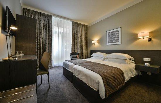 Maison Rouge Hotel : Chambre standard à 2 lits