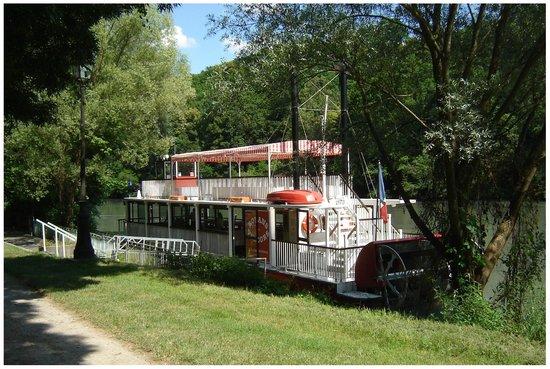 Bateau a roue photo de bateau roue royans vercors - Bateau sur roues ...