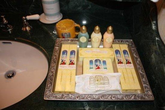 Tokyo Disneyland Hotel : Bathroom Amenities