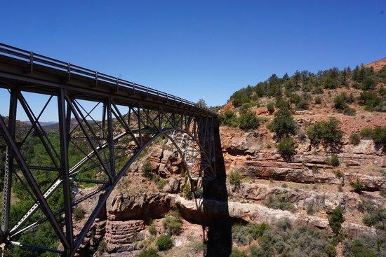 Oak Creek Canyon : Midgley Bridge