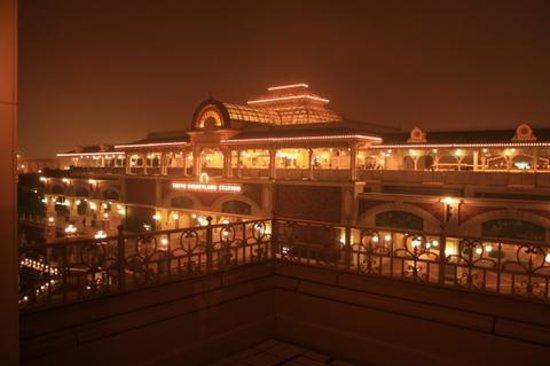 Tokyo Disneyland Hotel : Balcony View