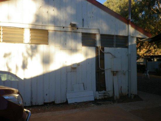 Glen Helen Homestead Lodge: Back wall cladding falling off