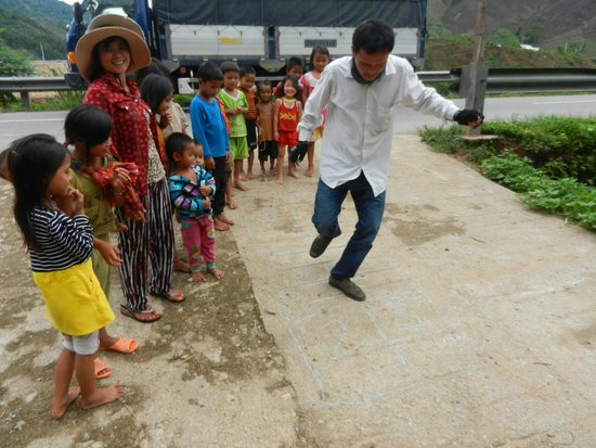 Hue Freedom Riders - Day Tour: Hop Scotch with the minority children