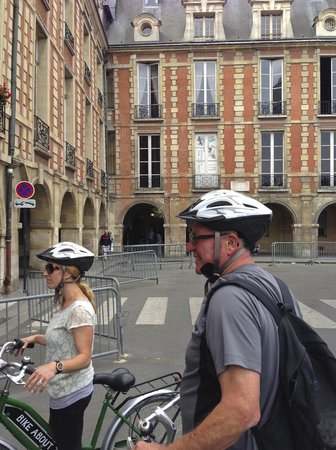 Bike About Tours : Victor Hugo's House
