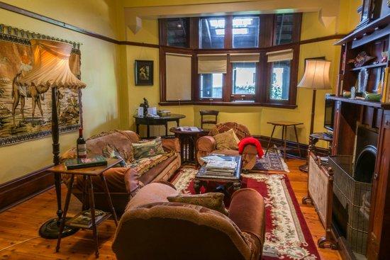 Buxton Manor: Living Room