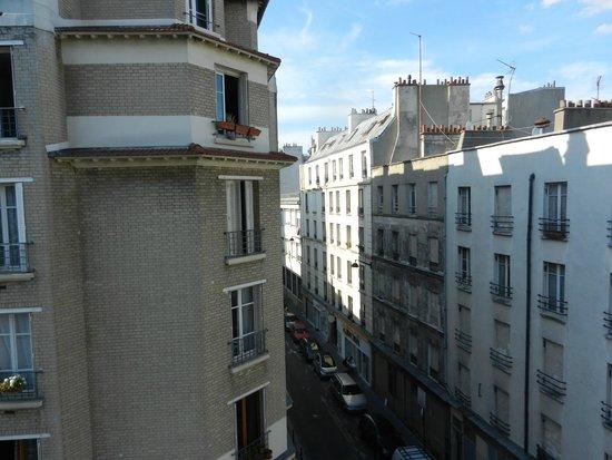 Hotel de Bellevue Paris Gare du Nord: Dalla camera
