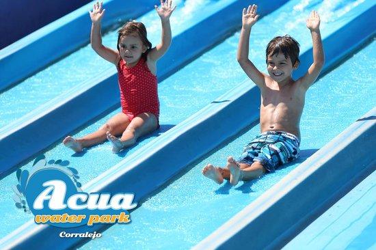 Acua Water Park: Mini Splash Race