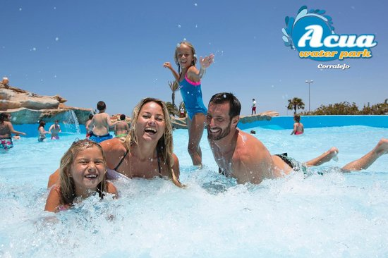 Acua Water Park: Wave's Pool