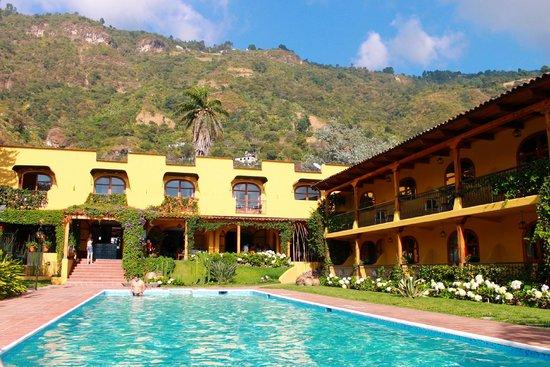Villa Santa Catarina: The of the hotel from the pool
