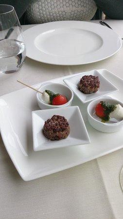 Galileo Restaurante : Mini Hamburguesas con tomate y mozzarella