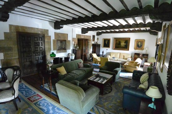 Living room at Hotel Museo Los Infantes.