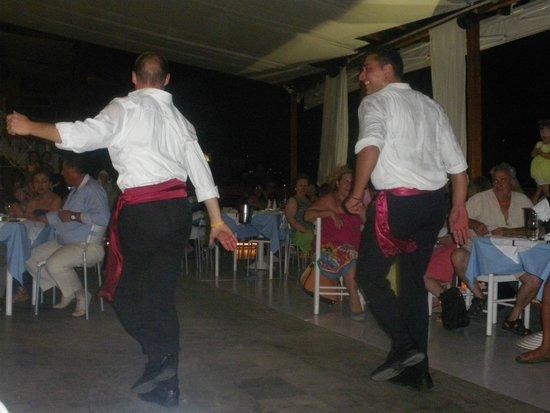 Samos Bay Gagou Beach Hotel: greek night