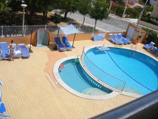 Choromar Apartments: Pool